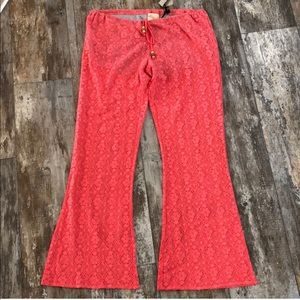 Chaser | Coral Lace Flare Leg pants size medium